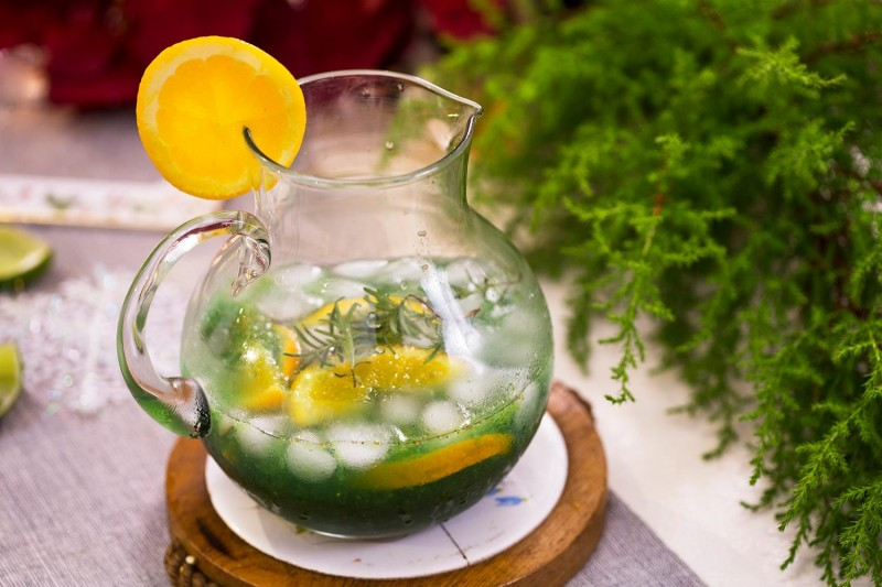 Mocktail thong xanh_ban tiec Giang Sinh
